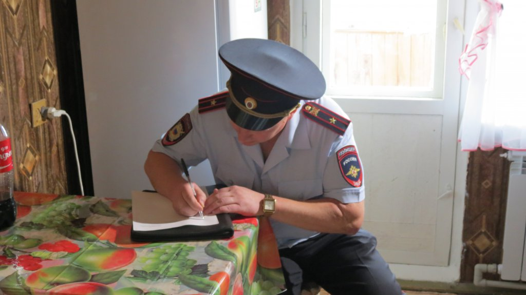 Курского самогонщика будут судить за подкуп участкового